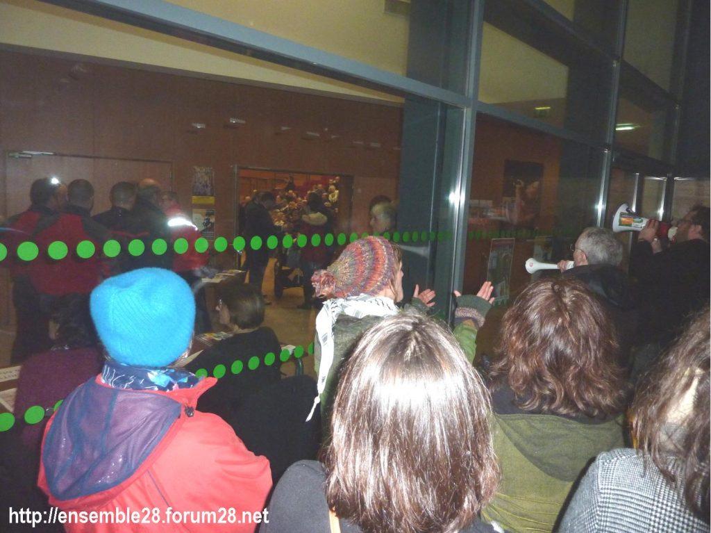 Luisant 09-01-2020 Voeux LREM Kasbarian Manifestants Retraites 05