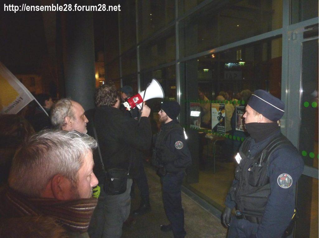 Luisant 09-01-2020 Voeux LREM Kasbarian Manifestants Retraites 08