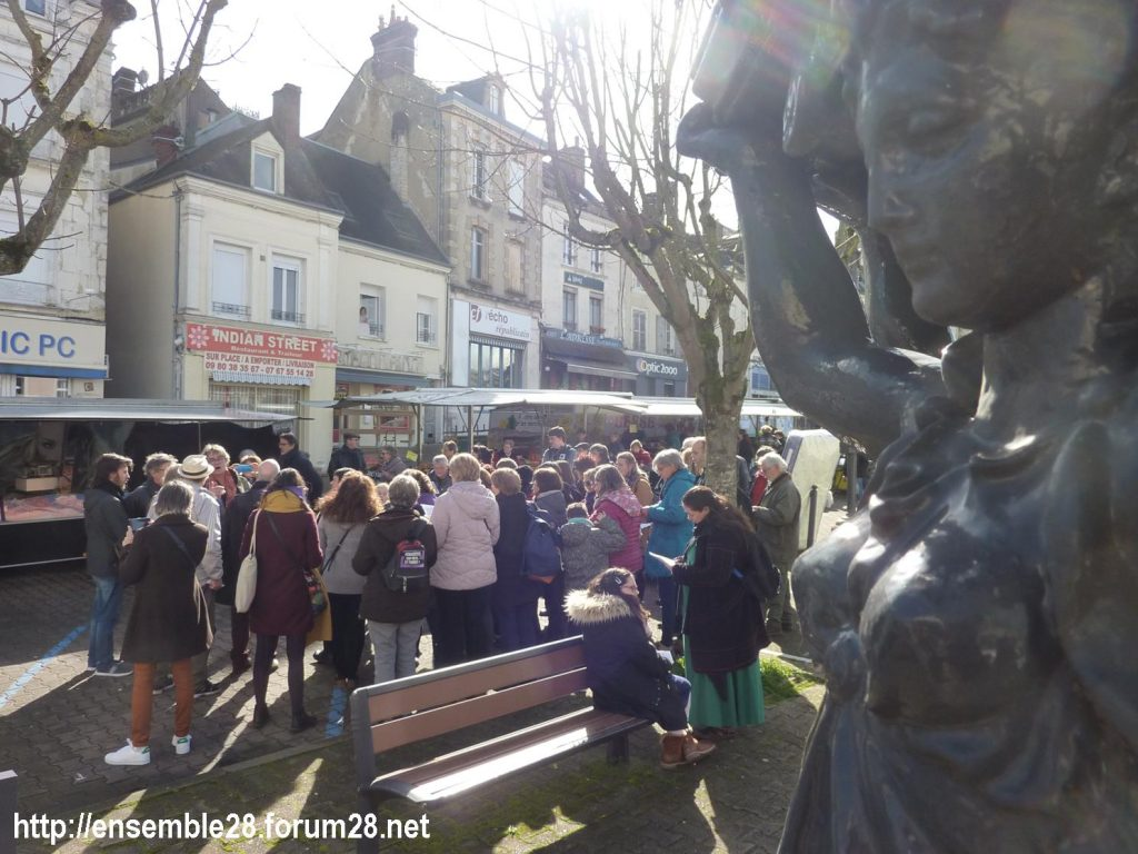 Nogent-le-Rotrou Marché Hymne des femmes [07-03-2020] 05