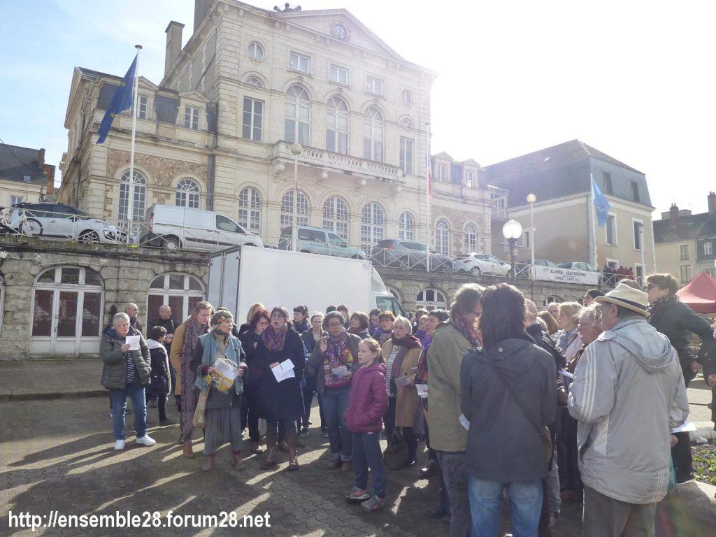 Nogent-le-Rotrou Marché Hymne des femmes [07-03-2020] 07