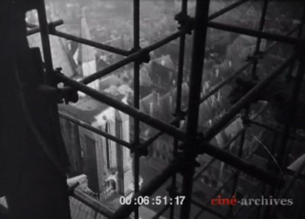 Chartres Ville vue de la Cathédrale BÂTISSEURS (LES) - Jean EPSTEIN - 1938 - Ciné-Archive [capture youtube]