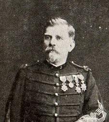 Joseph Joffre en 1889, détail [WikimediaCommons, domaine public]