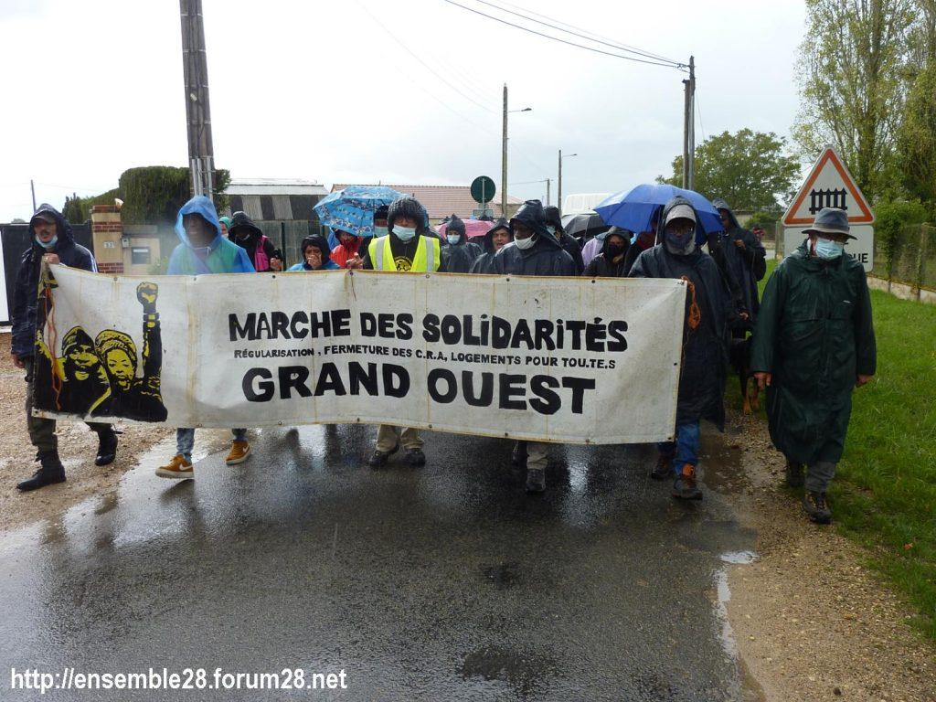 2020-10-13 Marche des Sans-Papiers La-Taye 02
