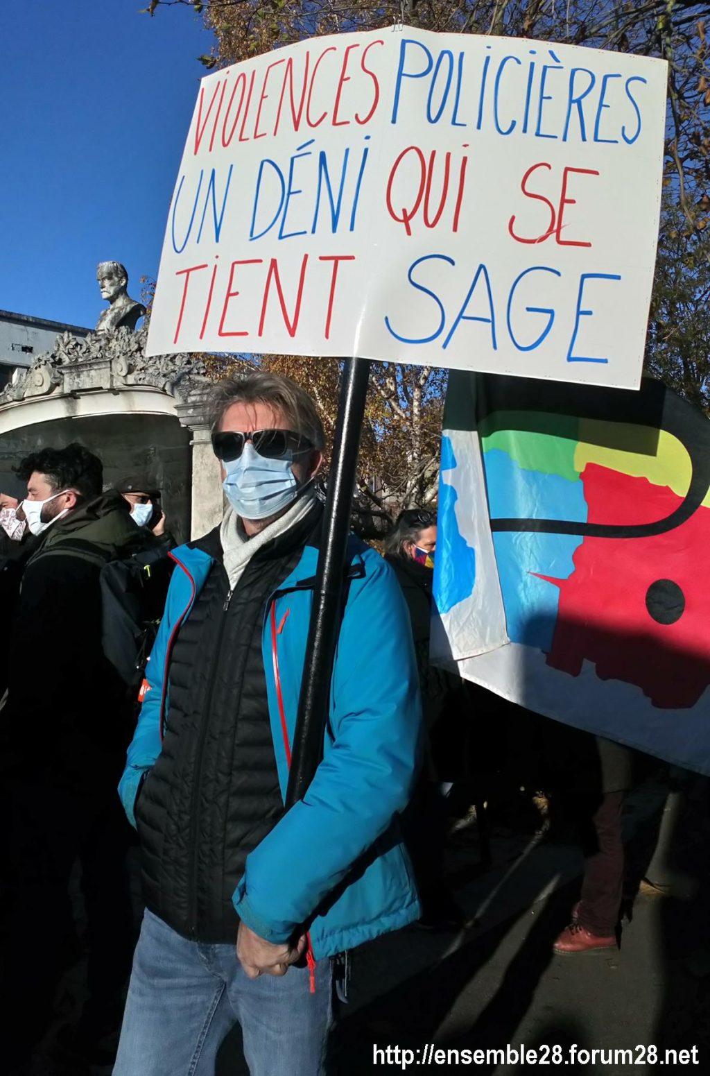 Chartres 28-11-2020 Rassemblement Loi Sécurité globale 05
