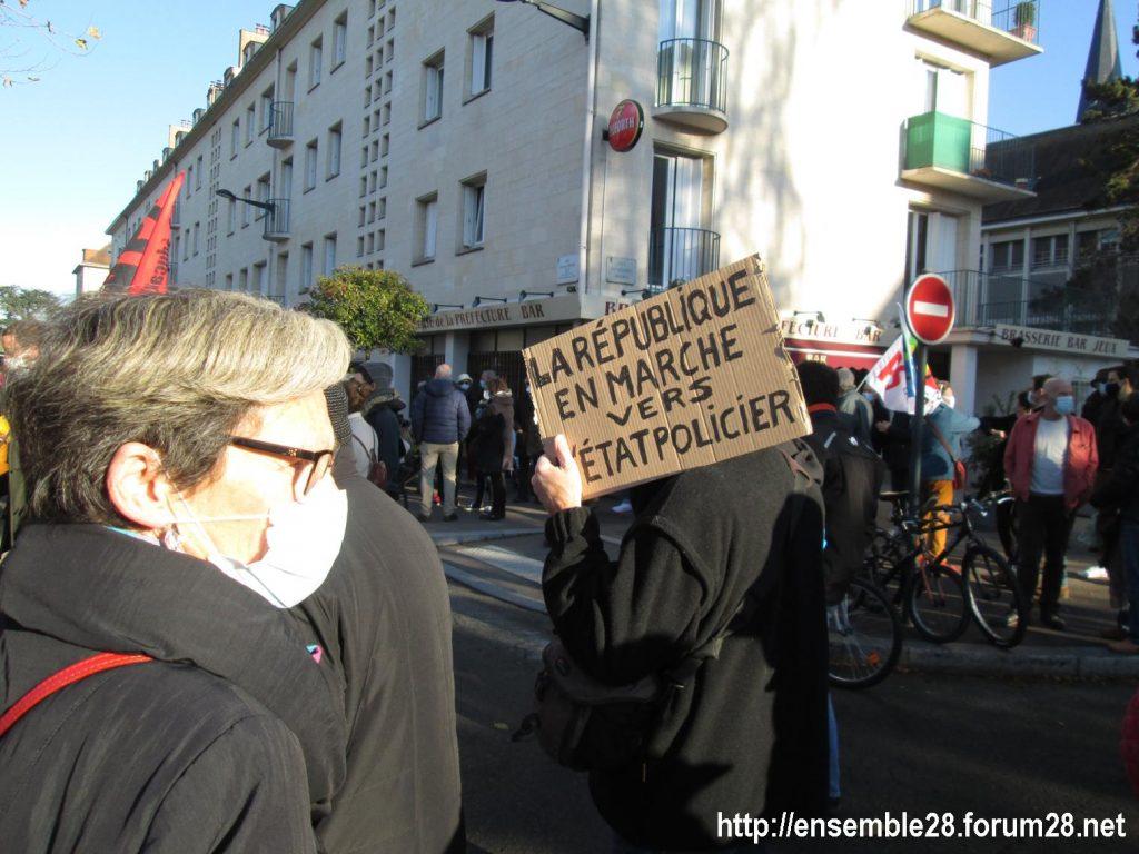 Chartres 28-11-2020 Rassemblement Loi Sécurité globale 09