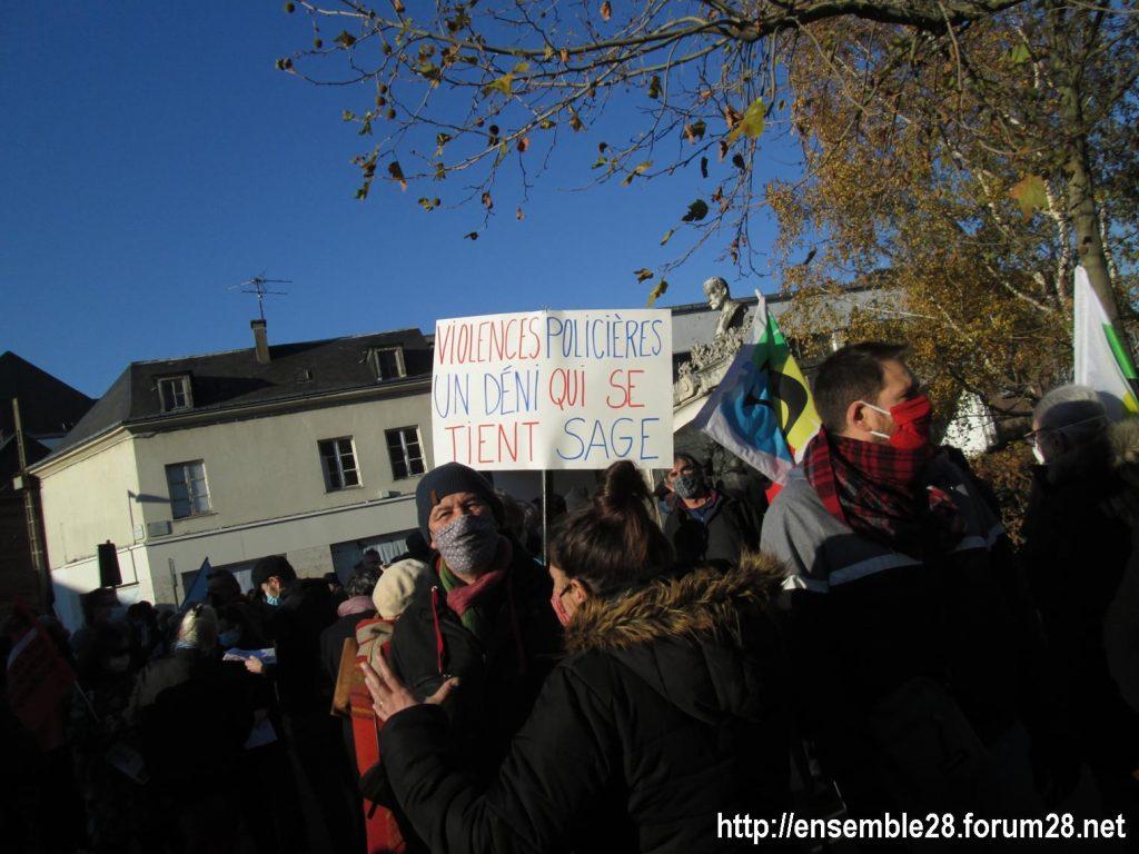 Chartres 28-11-2020 Rassemblement Loi Sécurité globale 10