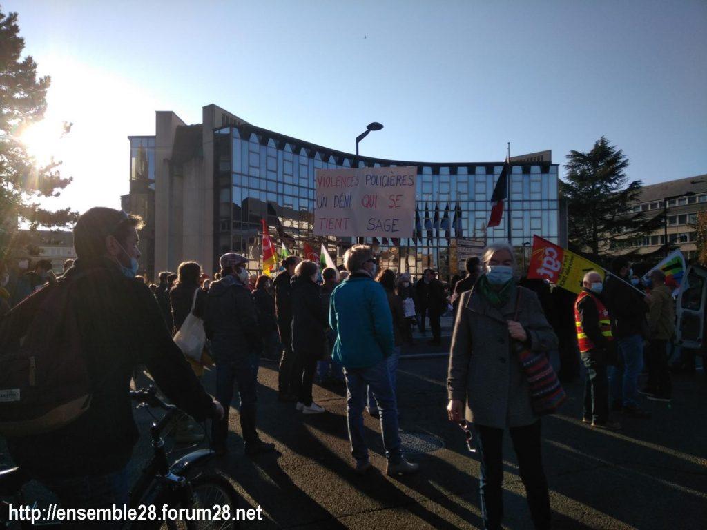 Chartres 28-11-2020 Rassemblement Loi Sécurité globale 12