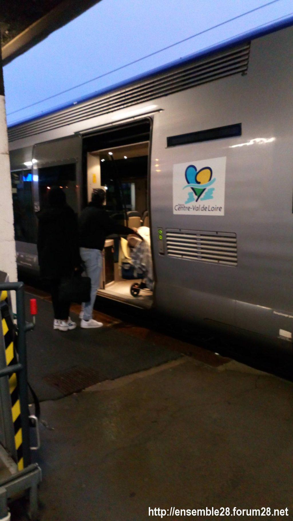 Chartres-Tours 13-12-2020 Premier TER direct 03
