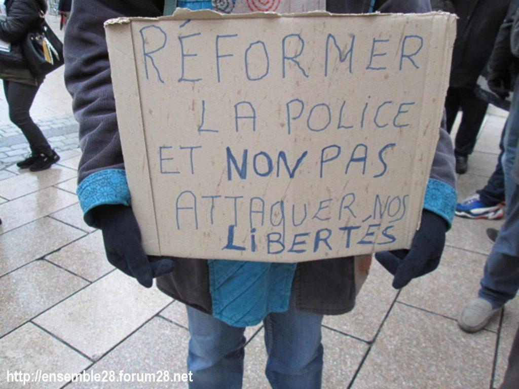 Dreux 05-12-2020 Manifestation Loi Sécurité-globale 05