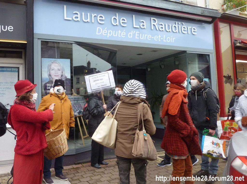 Nogent-le-Rotrou 05-12-2020 Action Permanence Laure de La Raudière 02