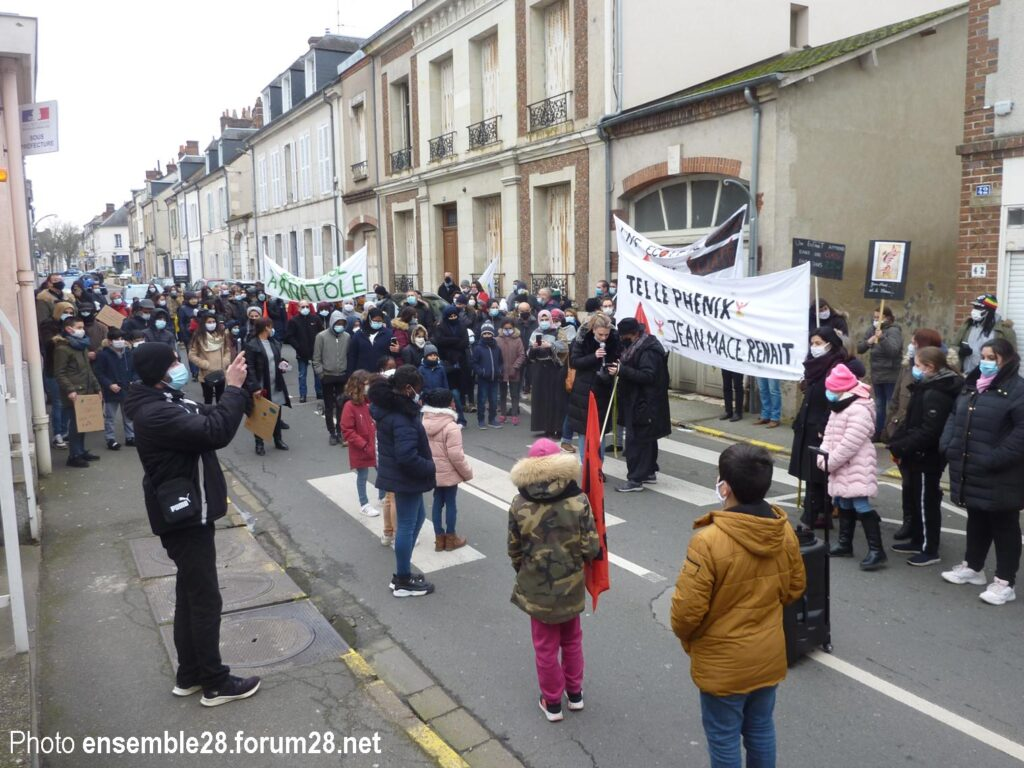 Châteaudun 26-01-2021 Manifestation École Macé CLG France