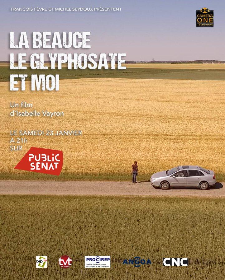 L'affiche du documentaire La Beauce, le glyphosate et moi représentant un champ d eblé devant lequel une femme est debout