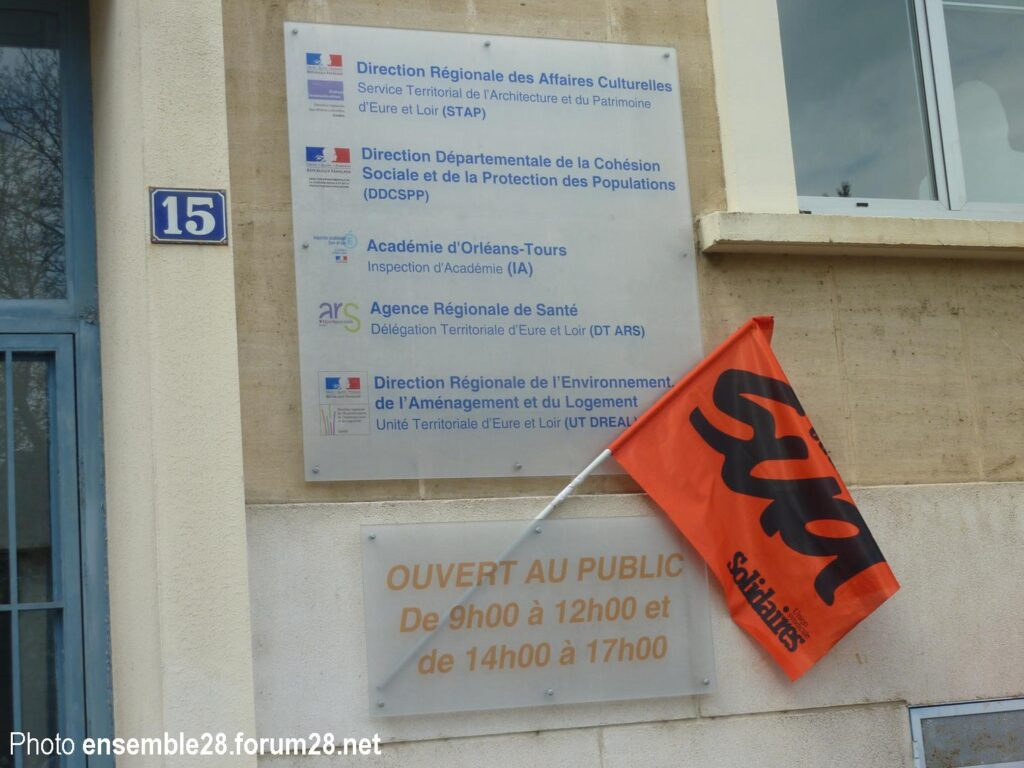 Chartres 28-04-2021 DSDEN Rassemblement Soutien Gwenn Macé Châteaudun