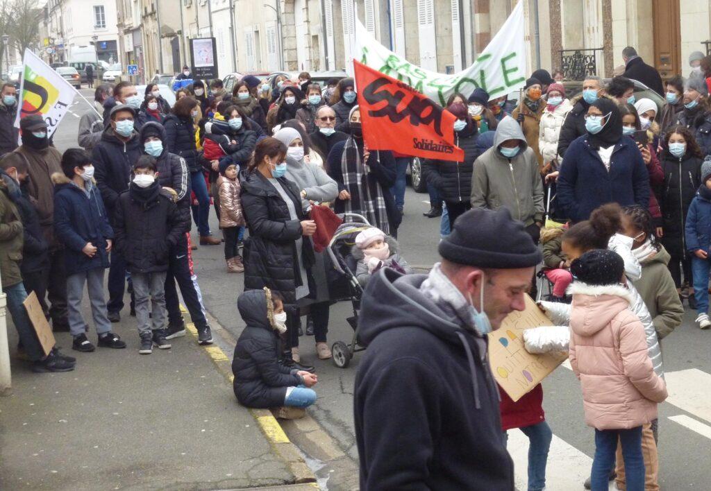 Châteaudun 26-01-2021 Manifestation Reconstruction École Jean-Macé